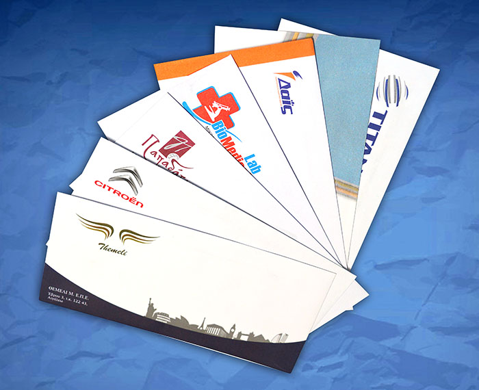 φάκελοι αλληλογραφίας σχεδιασμένοι και εκτυπωμένοι