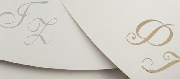 φάκελοι σε ποιοτικό χαρτί με φινίρισμα ασημοτυπίας ή χρυσοτυπίας